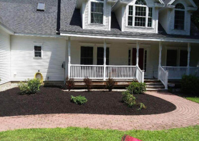 Summer Mulching & Yard Care Services