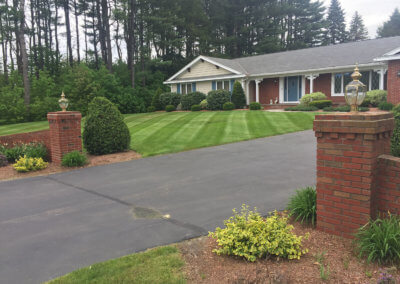 Creating Beautiful Lawn Lines With Mowing Services